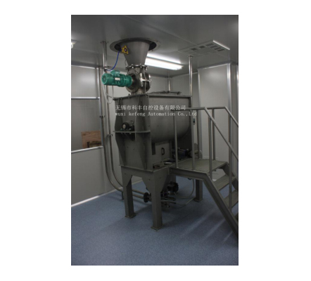 Pneumatic conveying after material mixing